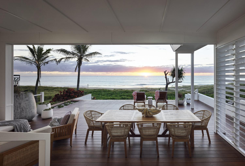 Beach Bungalow alfresco dining