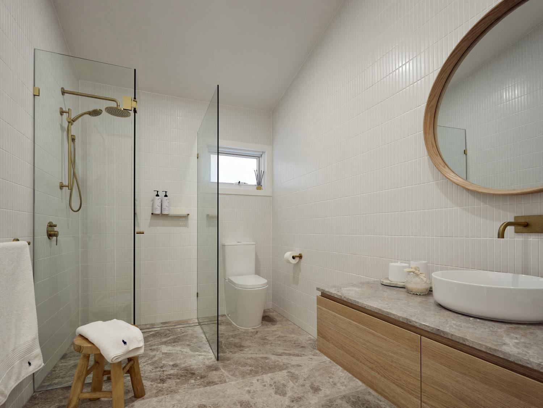 Beach Bungalow neutral tones to bathrooms
